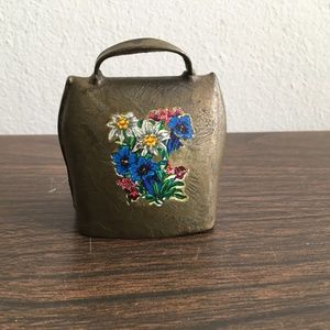 e- vintage gold metal hand painted  cow's bell